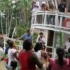 Imagem 11 do filme No Meio do Rio, Entre as Árvores