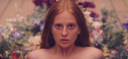 Imagem 2 do filme Midsommar - O Mal Não Espera a Noite