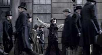 Imagem 2 do filme Sweeney Todd - O Barbeiro Demoníaco da Rua Fleet