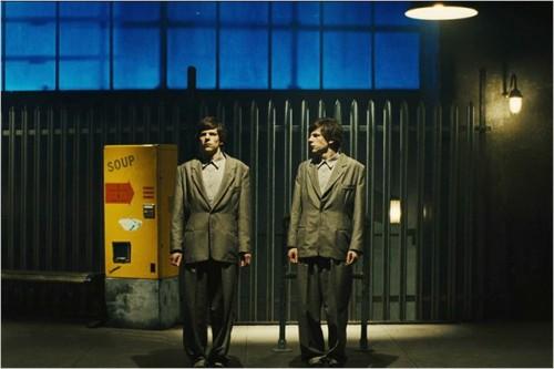 Imagem 1 do filme O Duplo