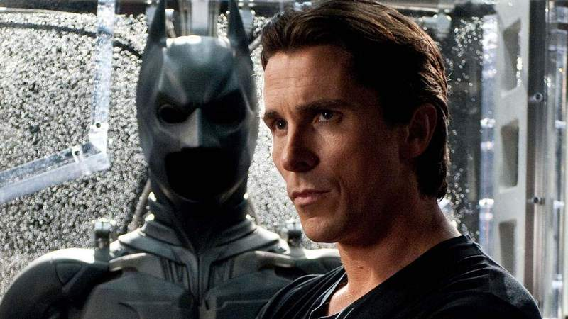 Batman: Christian Bale elogia e aconselha Robert Pattinson