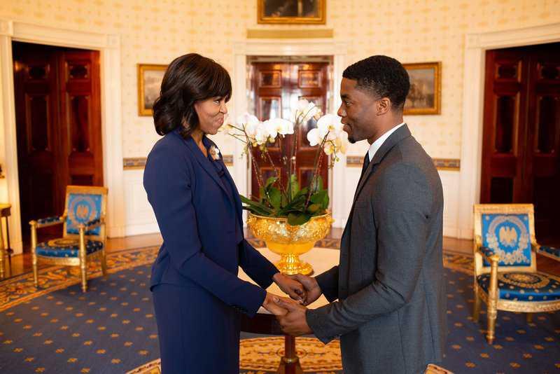 Atores da Marvel e família Obama prestam homenagem a Chadwick Boseman nas redes sociais