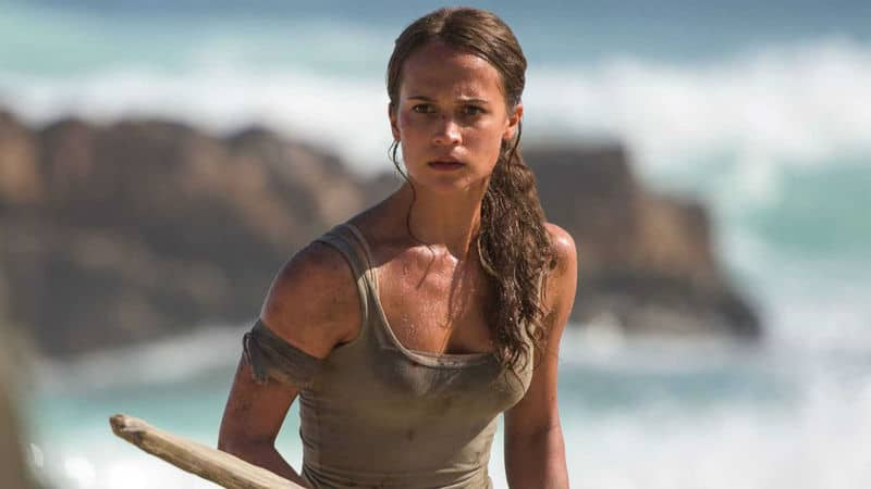 Alicia Vikander em cena do filme Tomb Rider